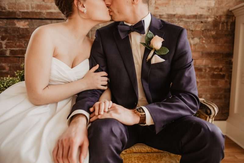 Top 20 Wedding Photo Shoot Ideas to Spice Up Your Shot List